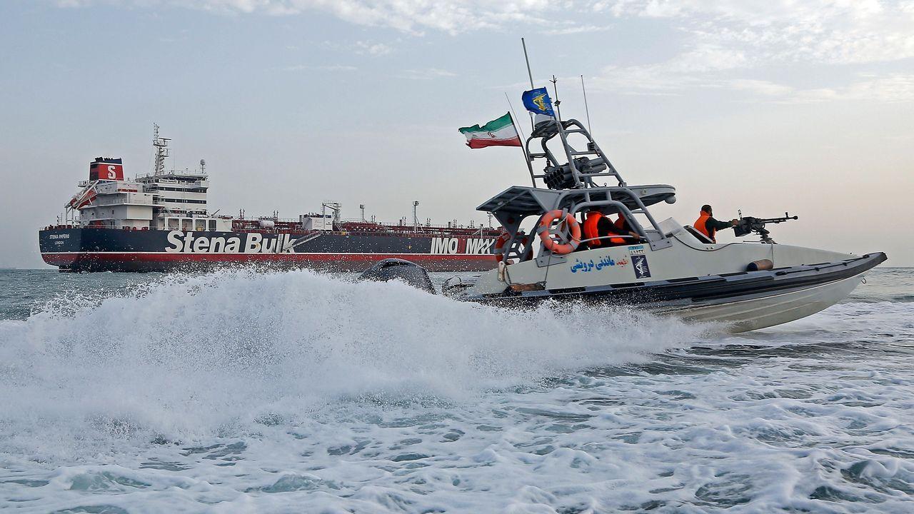 La alimentación es protagonista en la nueva Domus.Un lancha de la Guardia Revolucionaria iraní vigilando el entorno del petrolero británico «Stena Impero»