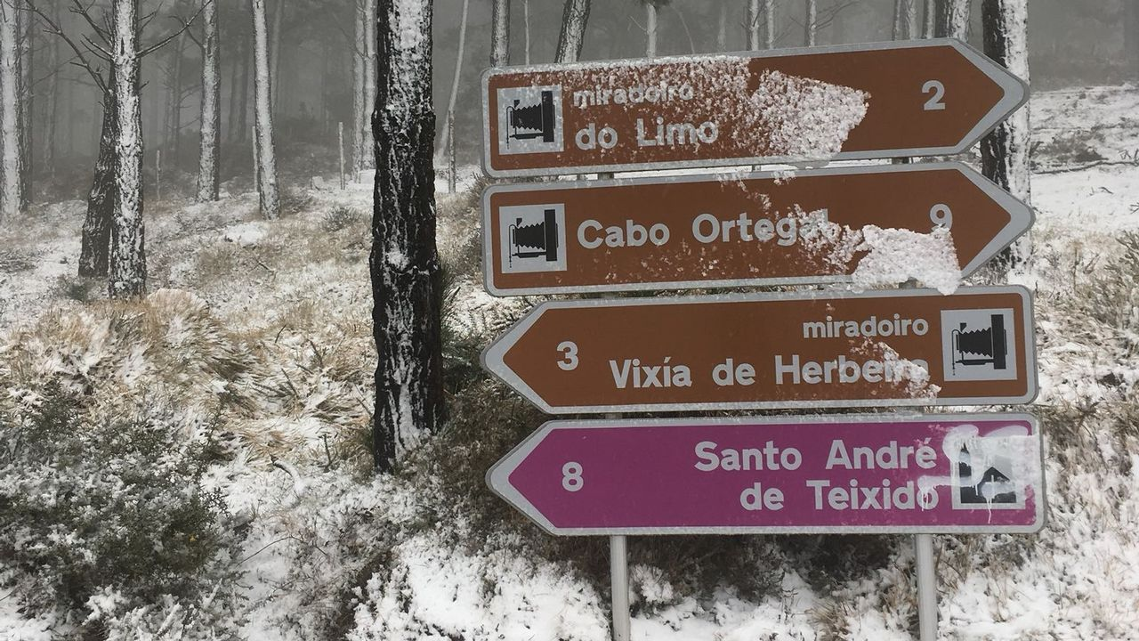 La nieve regresa a As Pontes y pasa por Vixía Herbeira
