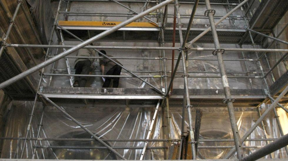 Un recorrido en imágenes por el camino de Cibrisqueiros a San Cosmede.Los murales de la iglesia de San Vicente do Pino, de unos doce metros de altura, fueron descubiertos en unas obras de rehabilitación del edificio en el 2010