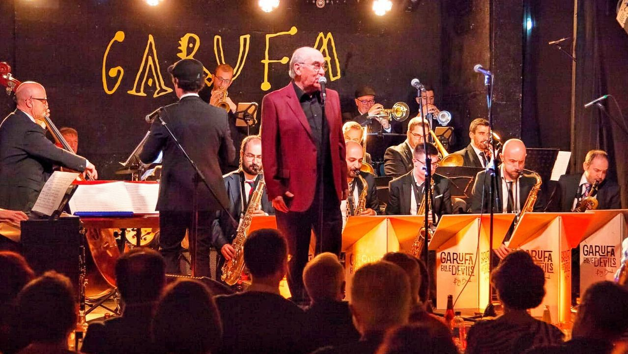 Detalle del concierto con que el cantante Sito Sedes y la Garufa Blue Devils Big Band estrenaron «Siboney», el nuevo disco de la orquesta, en la sala coruñesa