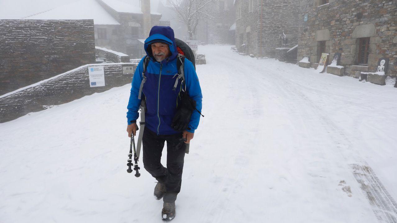 «É moi emocionante ver a neve por primeira vez».Zoido, en el monumento a las víctimas del terrorismo