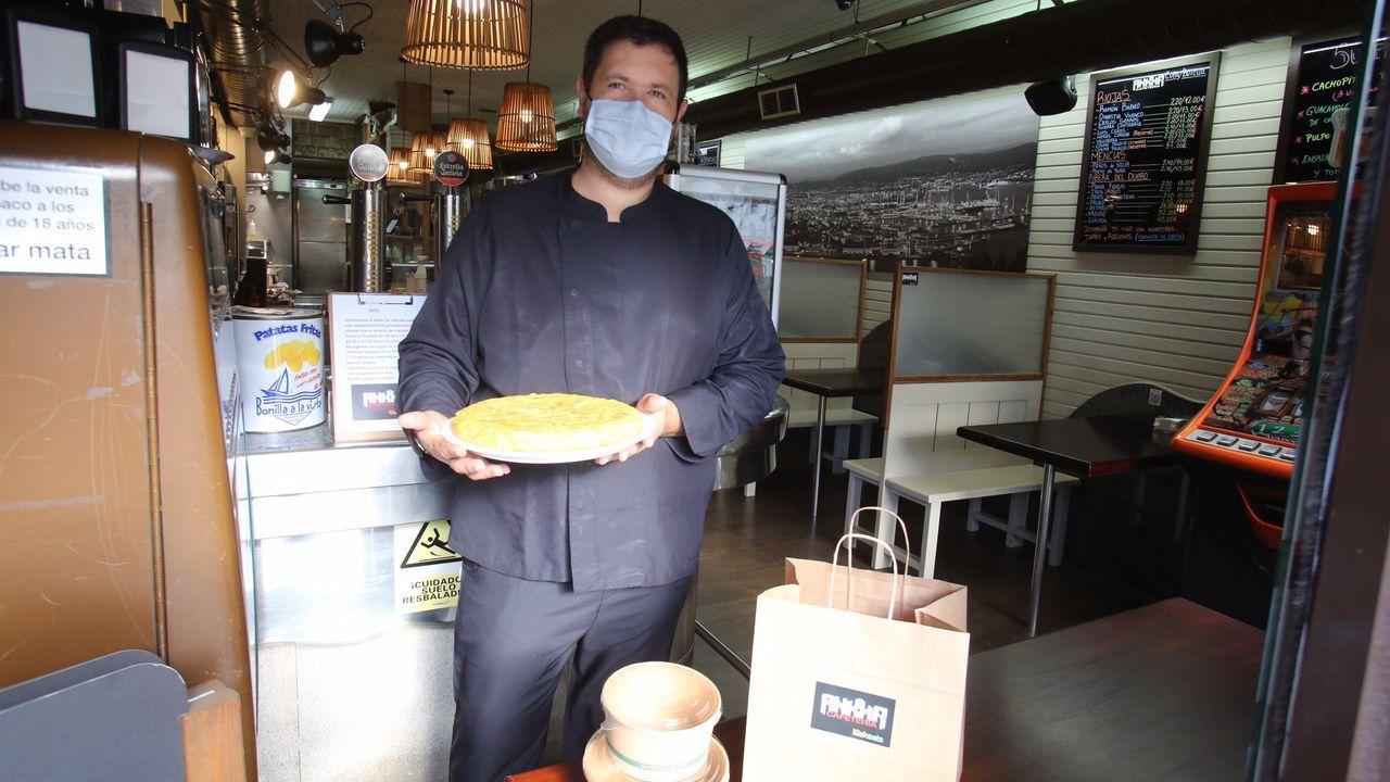La primera jornada de cierre casi total de la hostelería en Ferrol.Concentración de los trabajadores de Navantia -en septiembre- ante el Concello de Ferrol