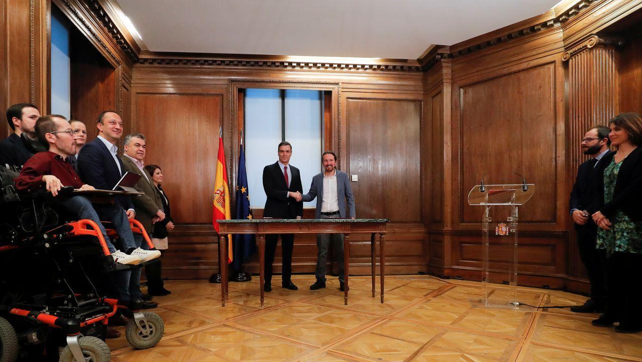 Todas las imágenes de la comparecencia de Pedro Sánchez y Pablo Iglesias