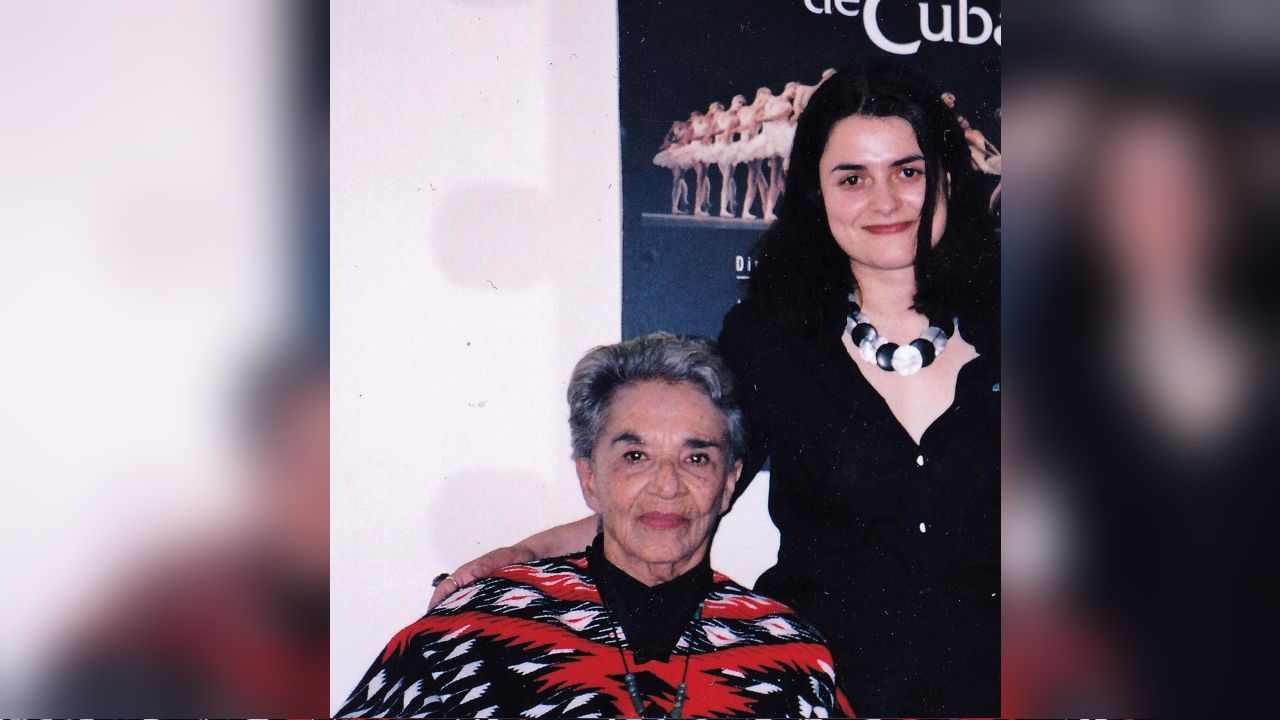 Chavela.CHAVELA VARGAS Y CARLOTA OJEA EN EL AÑO 2003