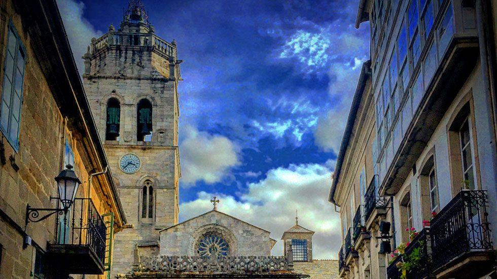 Catedral: fachada norte del transepto. Lugo.Catedral: fachada norte del transepto. Lugo