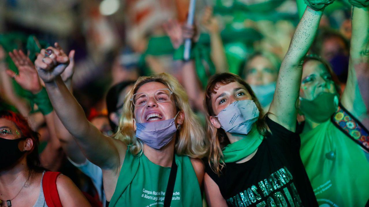 Celebraciones en Buenos Aires por la legalización del aborto en Argentina
