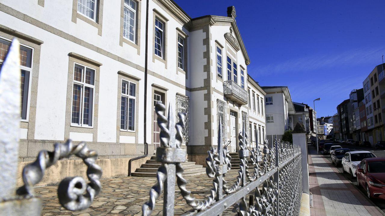 Vista de la fachada principal de la residencia de personas mayores de Vilalba