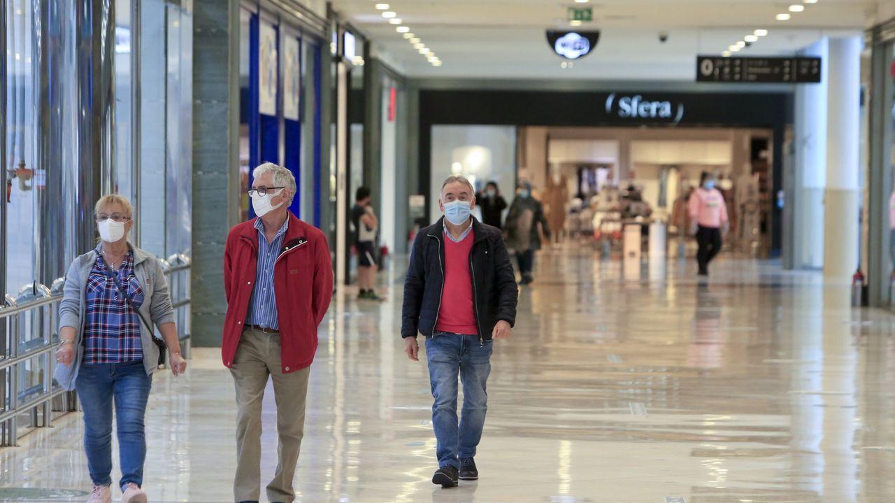 Interior del Centro Comercial As Termas
