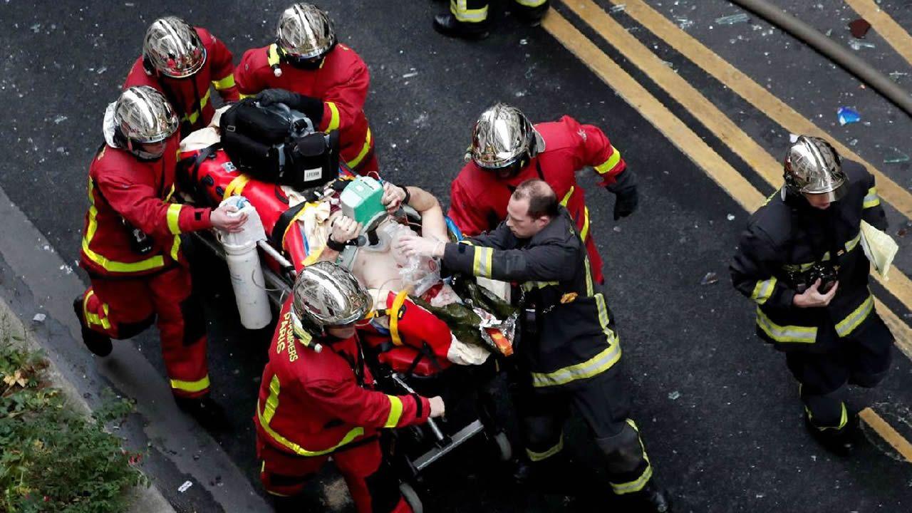 Al menos 10 muertos en el incendio de un edificio de viviendas en París.El bailarín  Sergei Polunin en los premios BAFTA