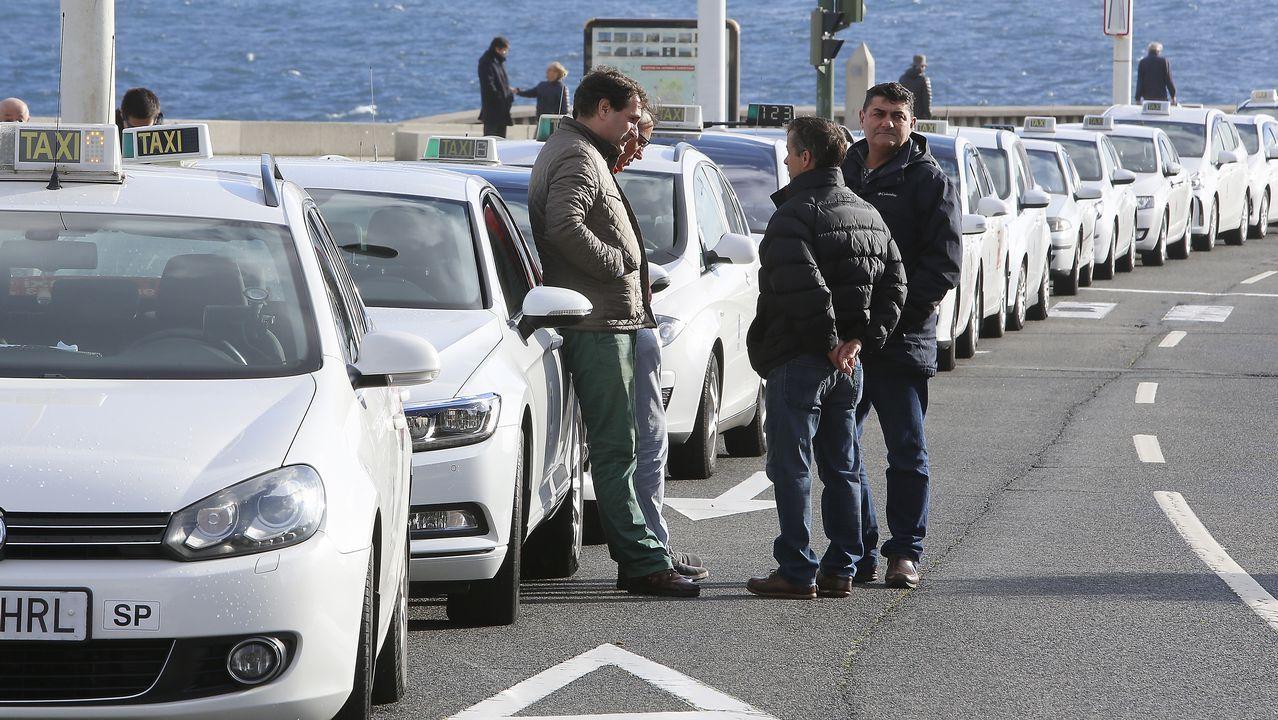 Arranque de la caravana de taxistas