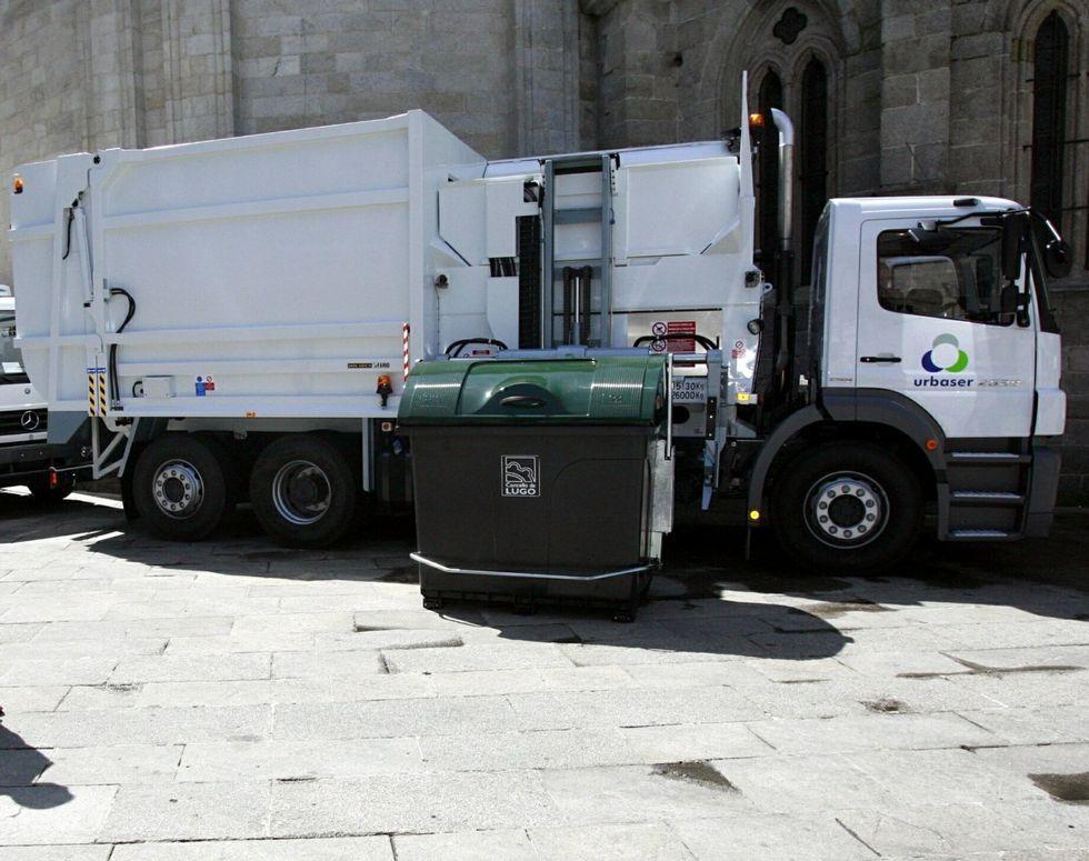 En el 2007 empezaron a operar los camiones de carga lateral.