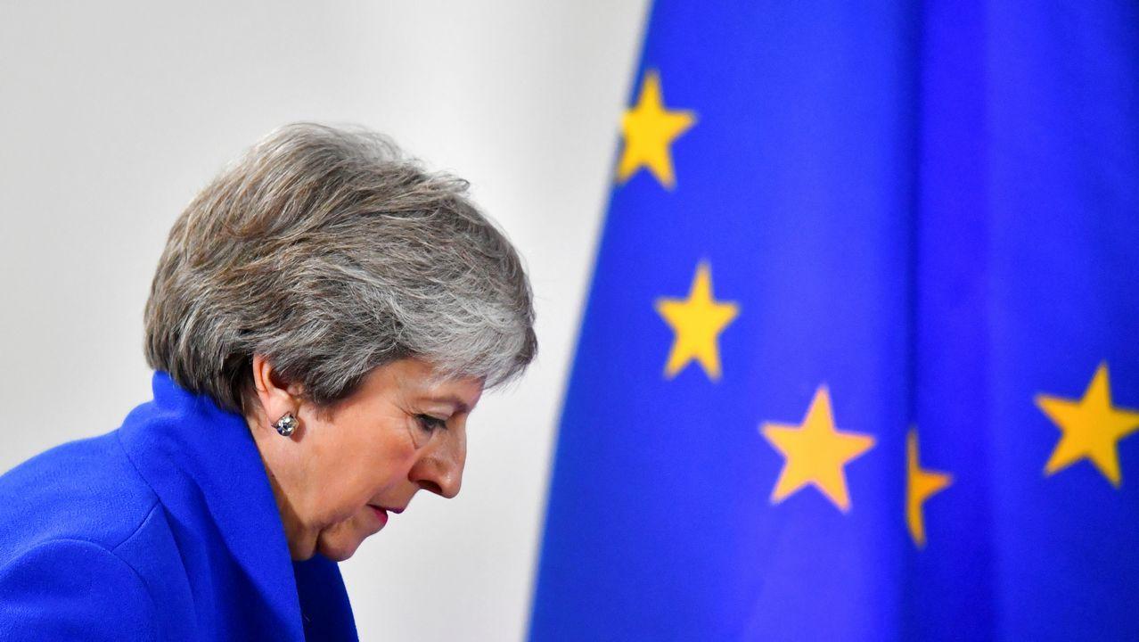 Theresa May anuncia su dimisión.Theresa May acudió a votar en las elecciones europeas acompañada de su marido