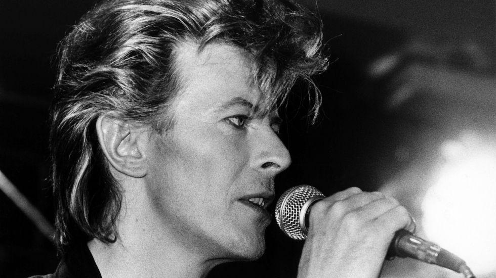 El artista durante una conferencia de presna sobre su «Glass Spider Tour» en Múnich, en 1987.