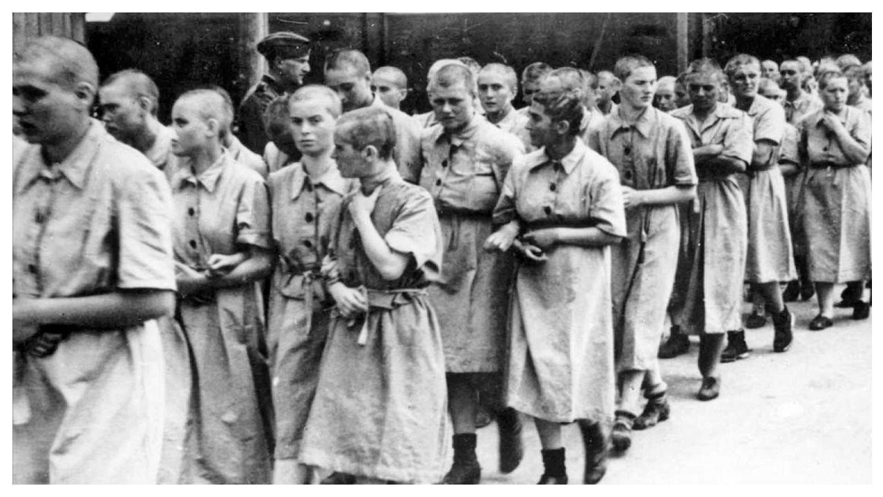 Reclusas de Auschwitz usadas como trabajadoras esclavas de camino a las factorías nazis