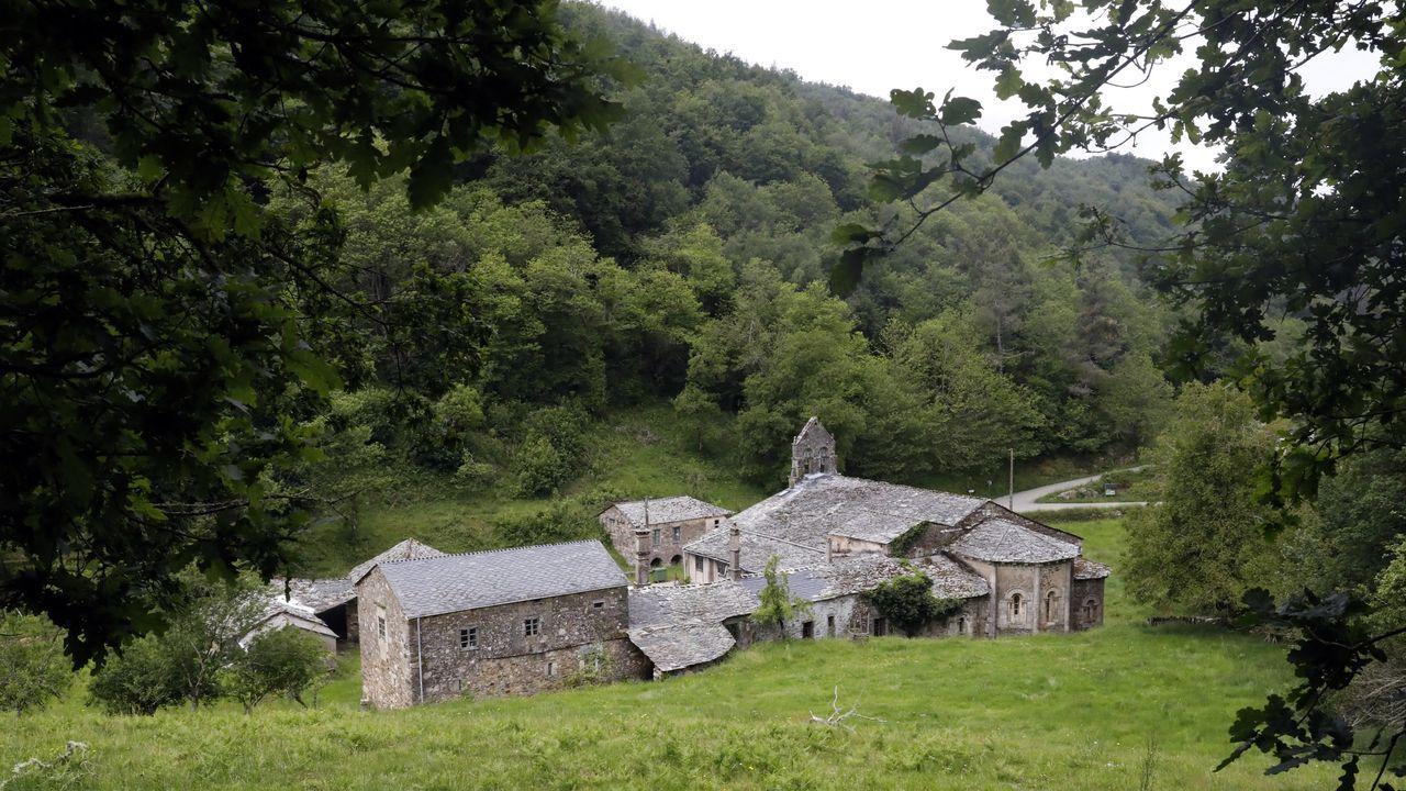 Así es la iglesia románica de Penamaior.Trabajos de conservación en el viaducto de Ruitelán