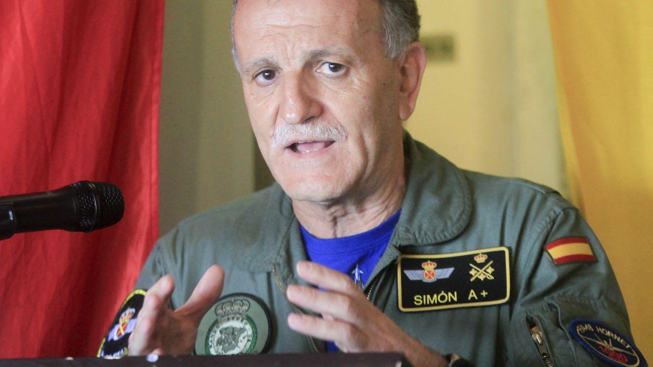 Teniente General César Miguel Simón