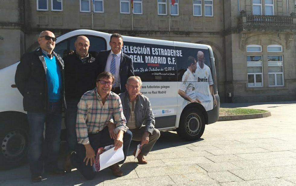«No debemos tener miedo».Buyo visitó A Estrada para publicitar el partido, junto con la Peña Madridista y el Estradense de veteranos.
