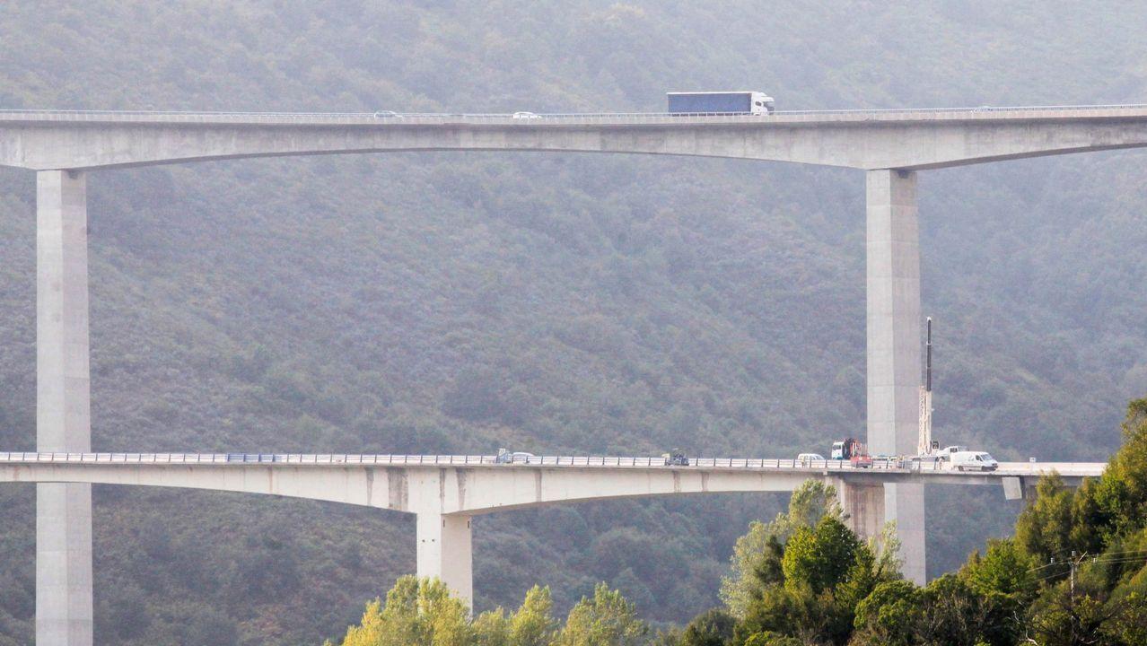 Algunas de las estructuras más altas de Galicia.Elena Fernández, vecina de Guntin, afectada por el terremoto del martes