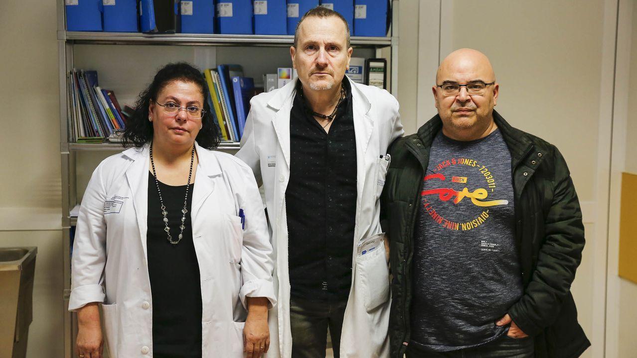 En el centro de la imagen, Javier Castrillo, jefe de Ginecología de Verín.