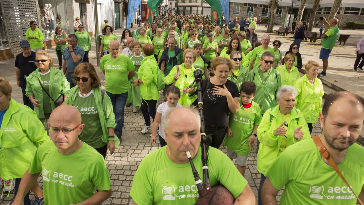 ¡Búscate en la gran marcha contra el cáncer de Carballo!