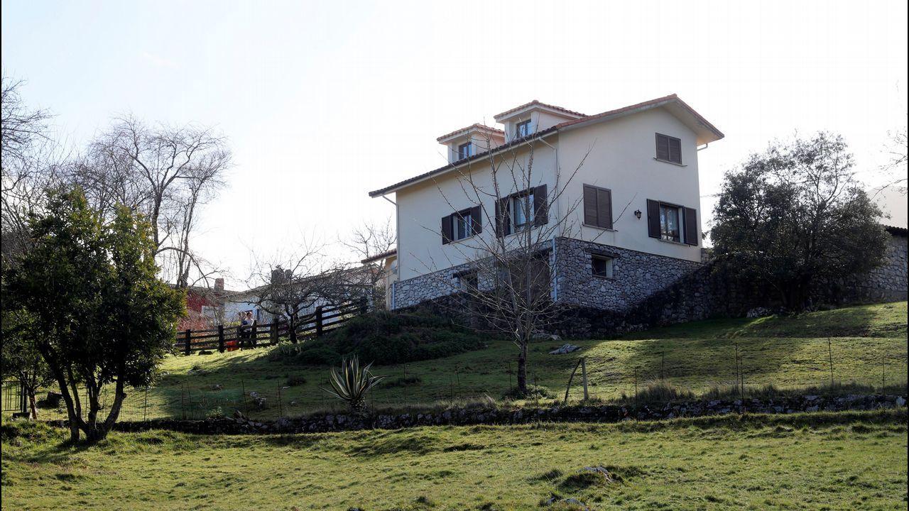 Vista general de la vivienda del concejal asesinado el pasado mes de agosto Javier Ardines