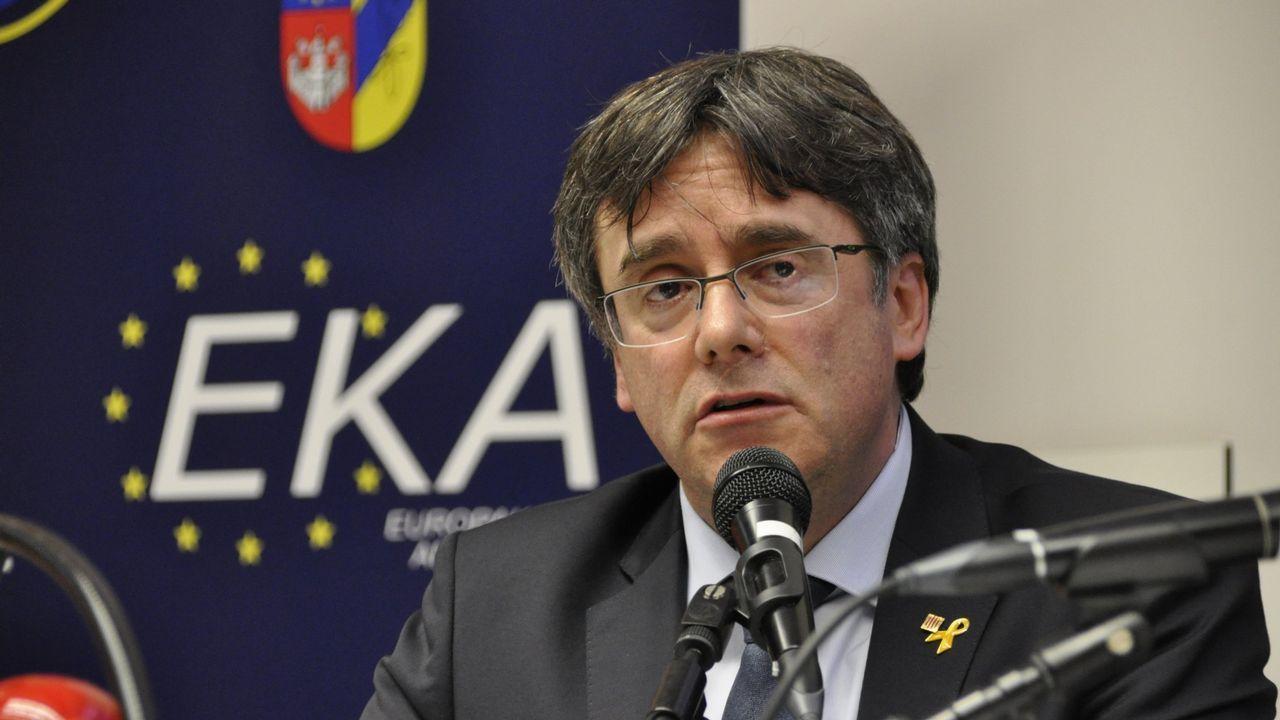 Un comisario pone en evidencia al abogado de Junqueras recordándole su participación como mediador en un colegio el 1-O.Papeletas