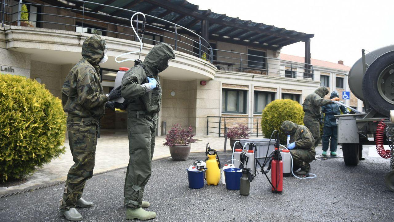La Brilat ya controla la frontera con Portugal.Efectivos del Ejército de Tierra realizan labores de desinfección