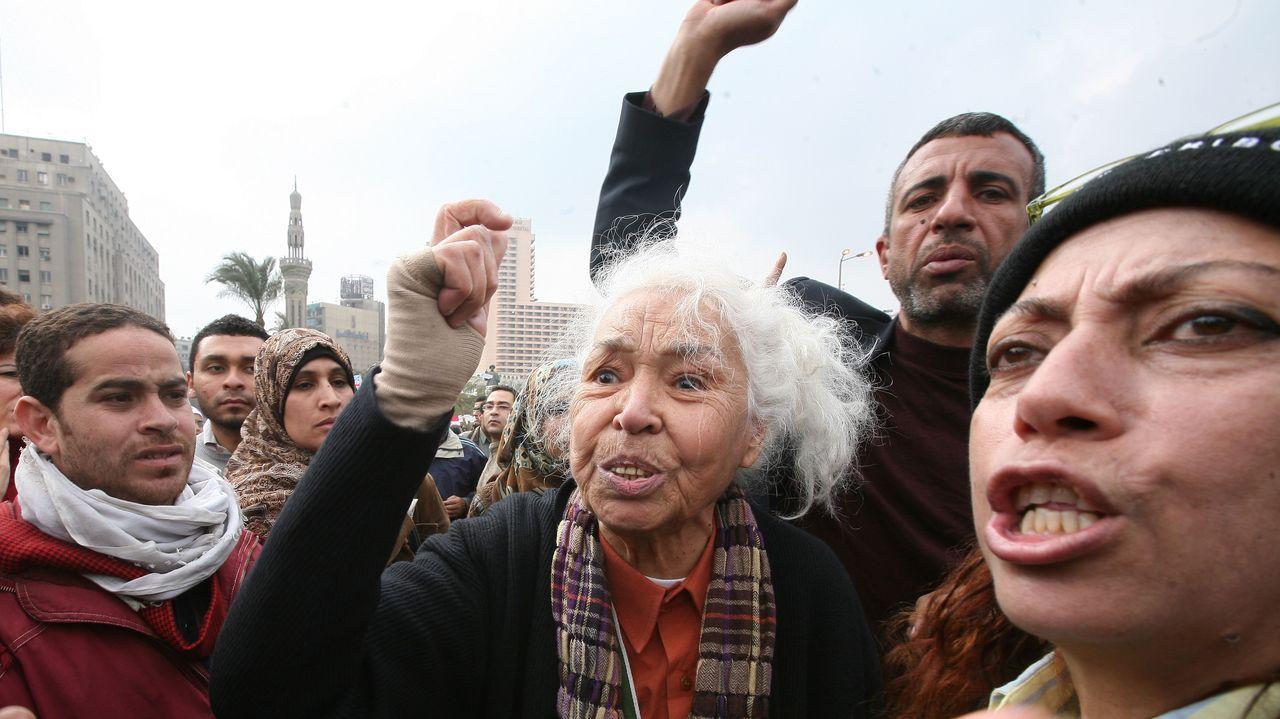 Desfile de momias faraónicas en El Cairo.La escritora y activista feminista Nawal El Saadawi, en una protesta en la plaza Tahrir, en El Cairo