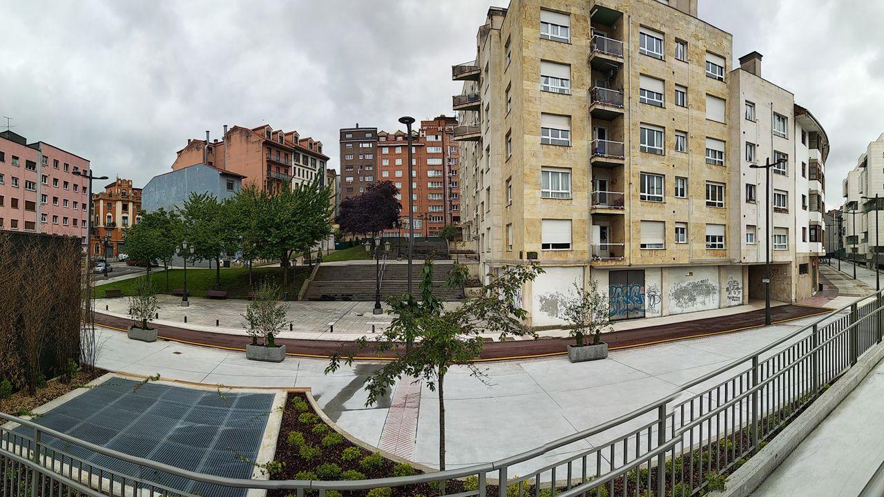 La parte posterior del bulevar El Vasco, con su escalera de acceso a la calle Jovellanos