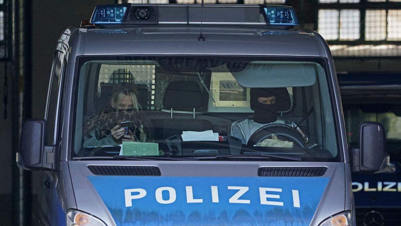 Los detenidos fueron trasladado a la central de la fiscalí en la ciudad de Karlsruhe