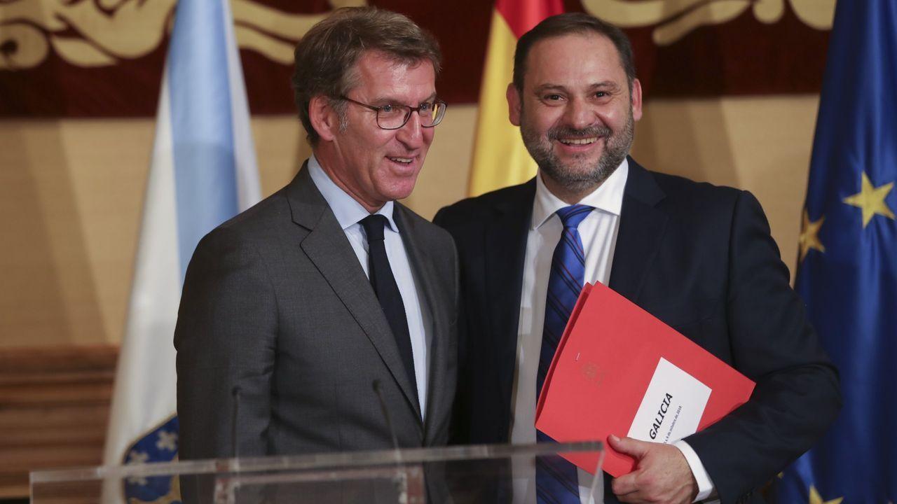 Núñez Feijoo y el ministro Ábalos durante un encuentro celebrado en Santiago a finales del 2018