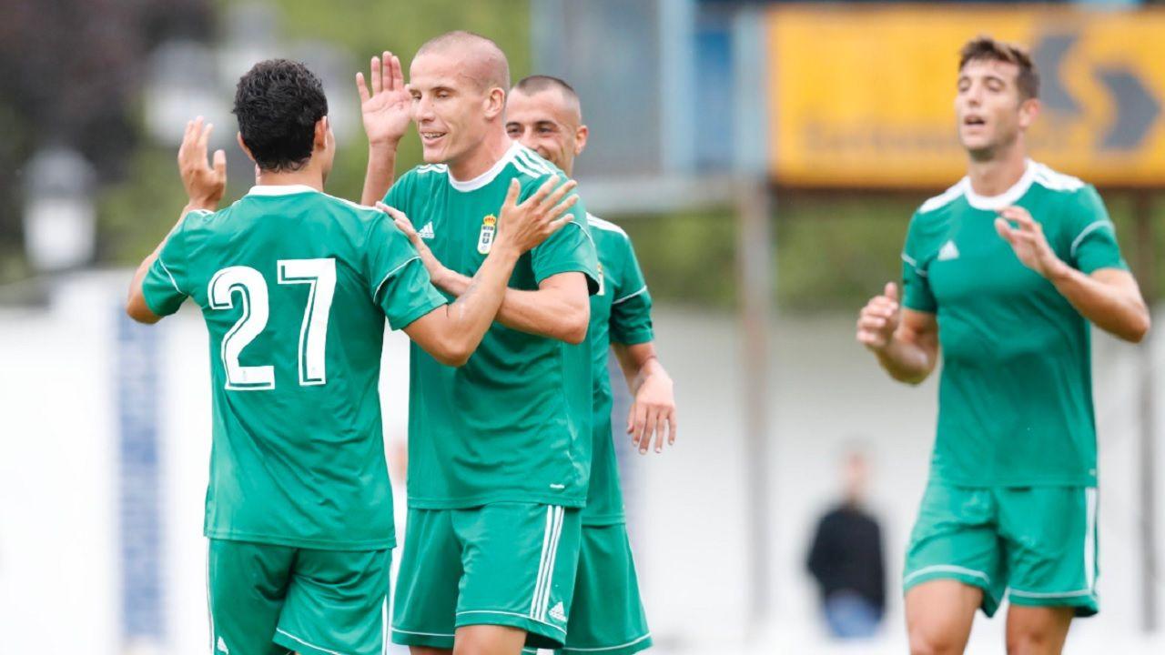 Gol Steven Lolo Tejera Real Oviedo Unionistas.Steven celebra su tanto con Lolo y Tejera