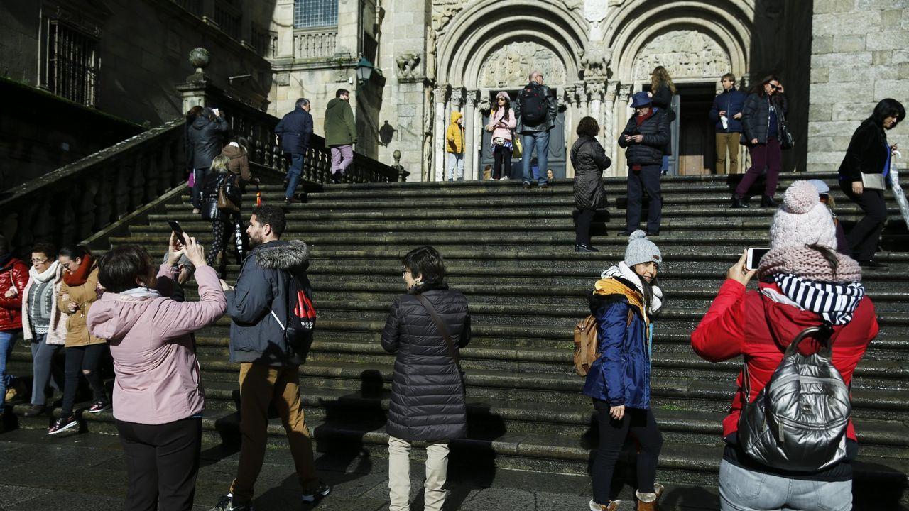 Suspenden el desfile do entroido por la lluvia.Suspendido el desfile de entroido en Santiago por la lluvia