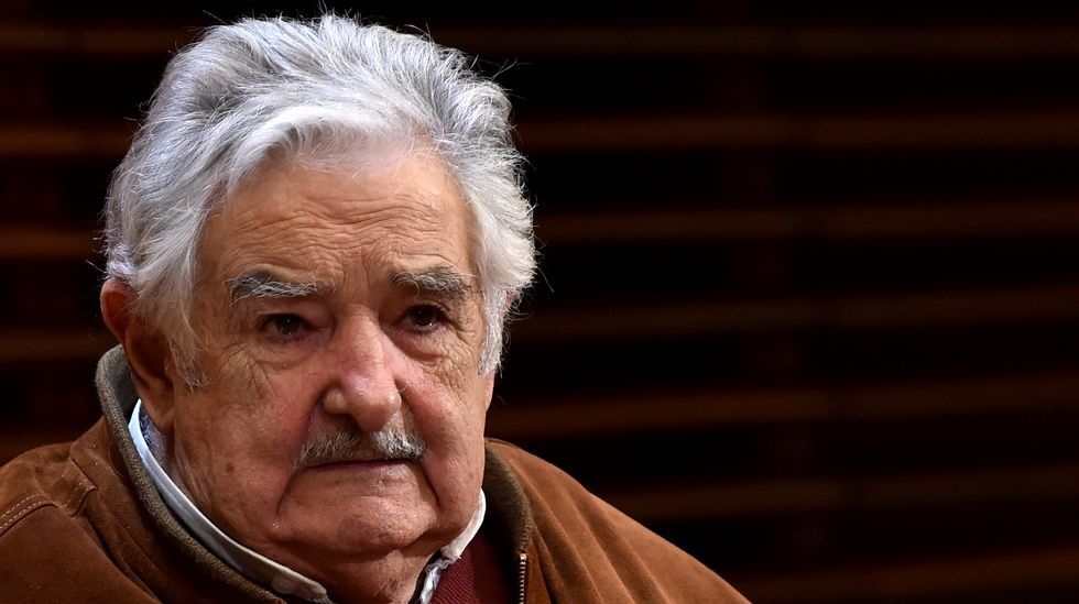 Mujica atribuye la elección de Trump al fenómeno de la globalización.Juppé, a la izqquierda, con Fillon, tras el resultado
