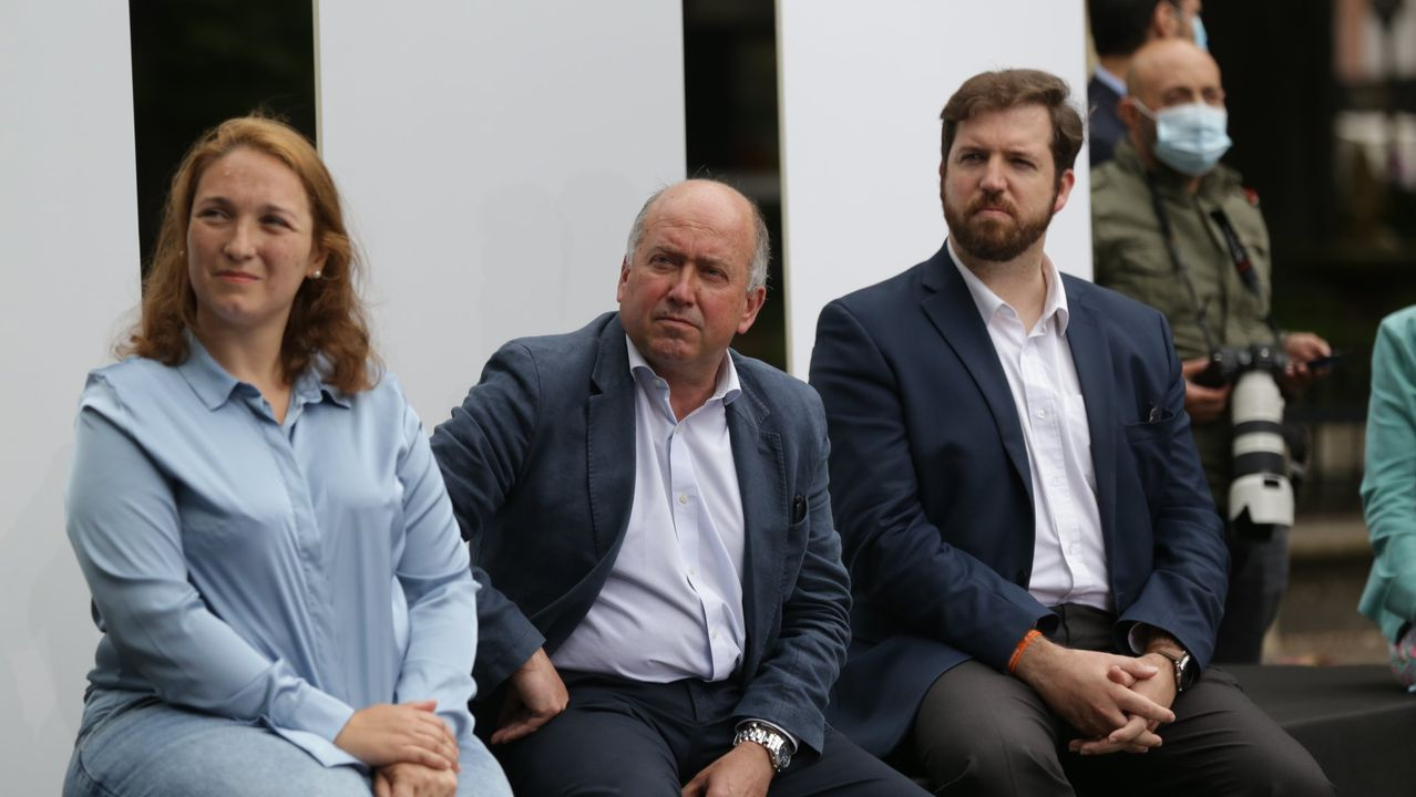 Los cabezas de lista por Guipúzcoa, Muriel Larrea, Álava, Carmelo Barrio, y el 'número dos' por Bizkaia, Luis Gordillo