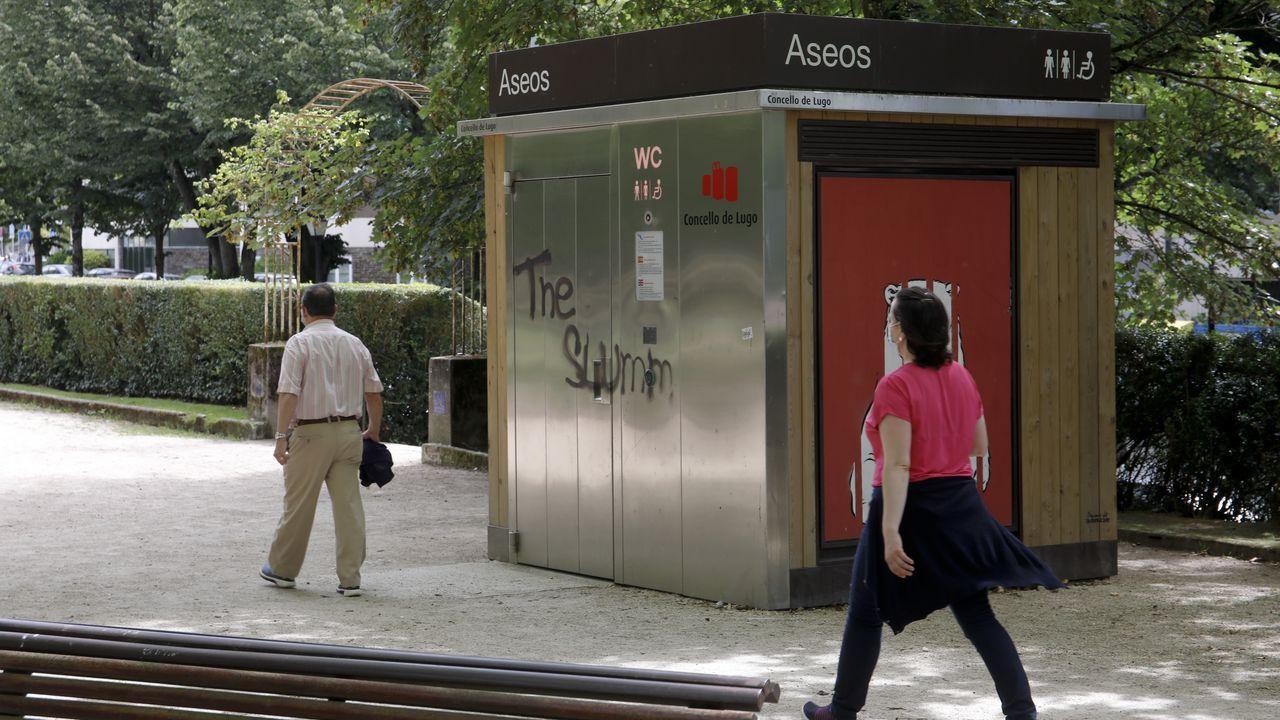 Cabina autolimpiable del Parque Rosalía de Castro