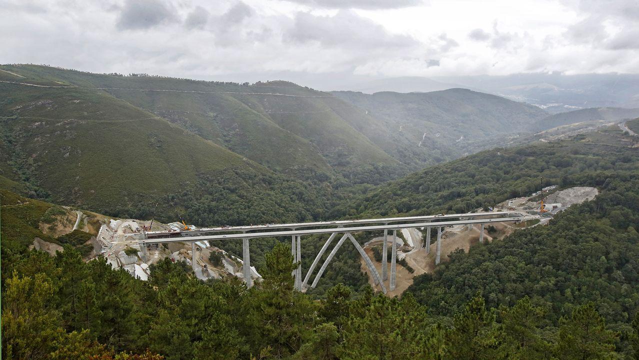 La estructura terminada del viaducto de Teixeiras