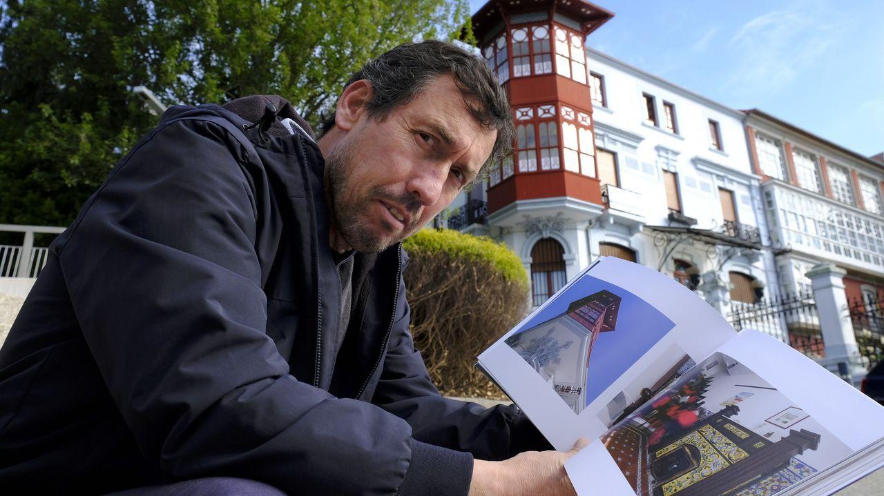 Barbanza, en la vanguardia de la arquitectura.José Pardo, retratado delante del Chalé Antón, uno de los 55 edificios de Rodolfo Ucha que muestra en su libro