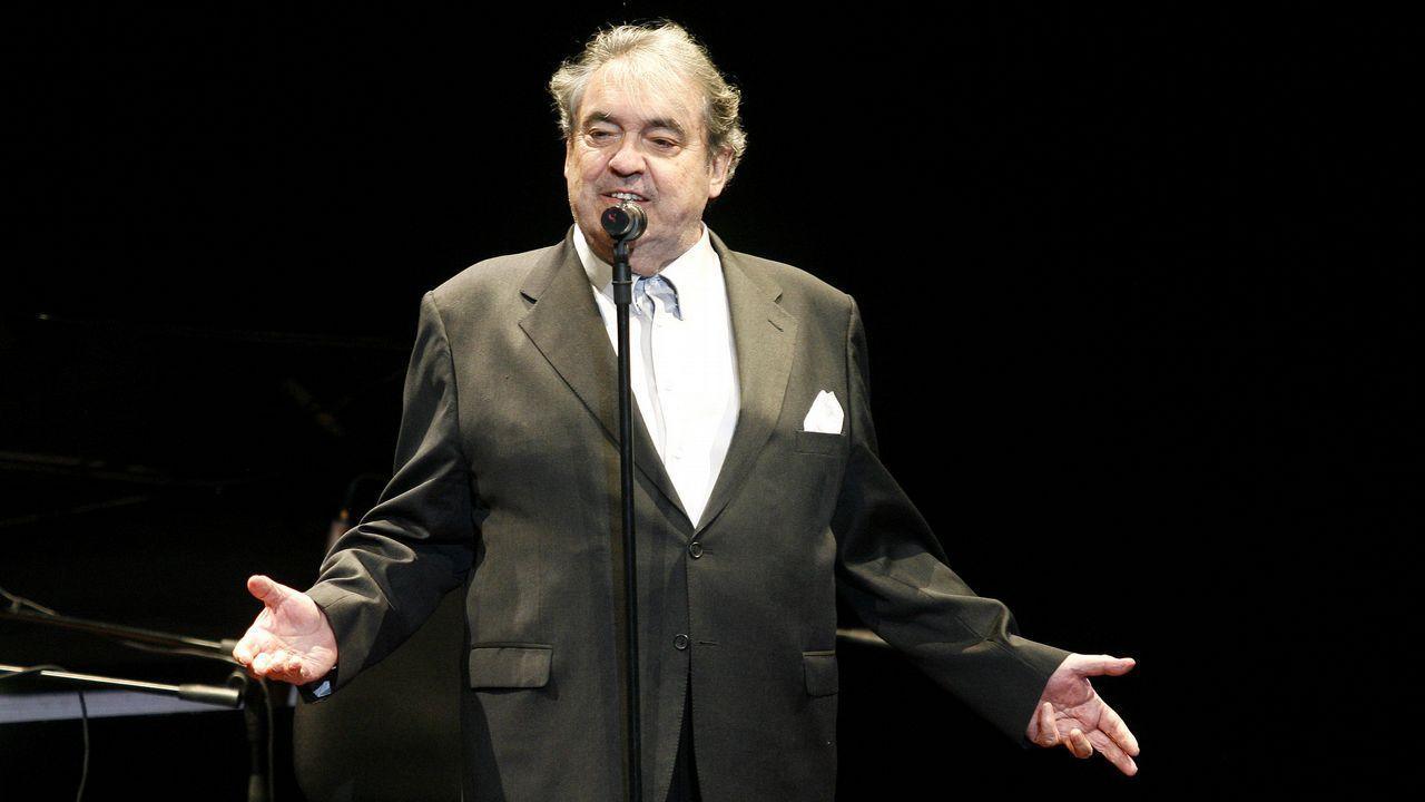 ALBERTO CORTEZ EN UN CONCIERTO EN VILAGARCÍA EN EL 2010