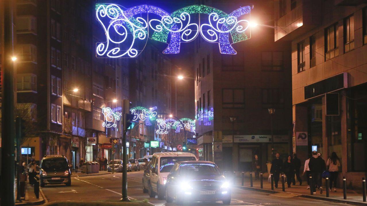 Imagen de archivo del alumbrado navideño en la avenida de Oza