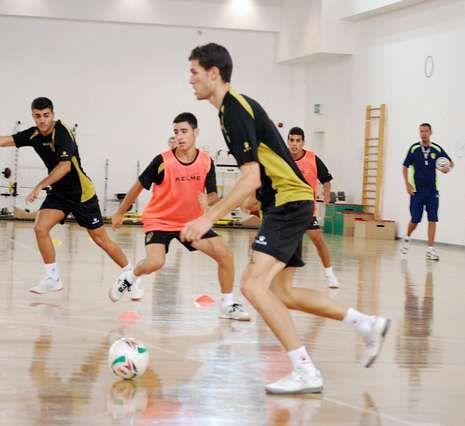 Los santiagueses se entrenaron ayer por la tarde en Kuwait.