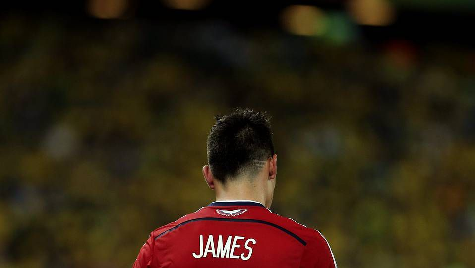James pasa el reconocimiento médico