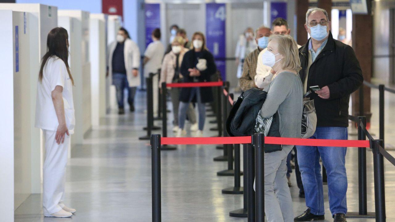Continúa la vacunación masiva en el Hospital de Lugo