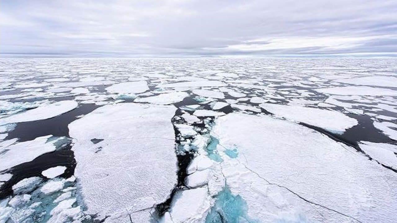 mili.Imagen del hielo marino en el Polo Norte en 2015