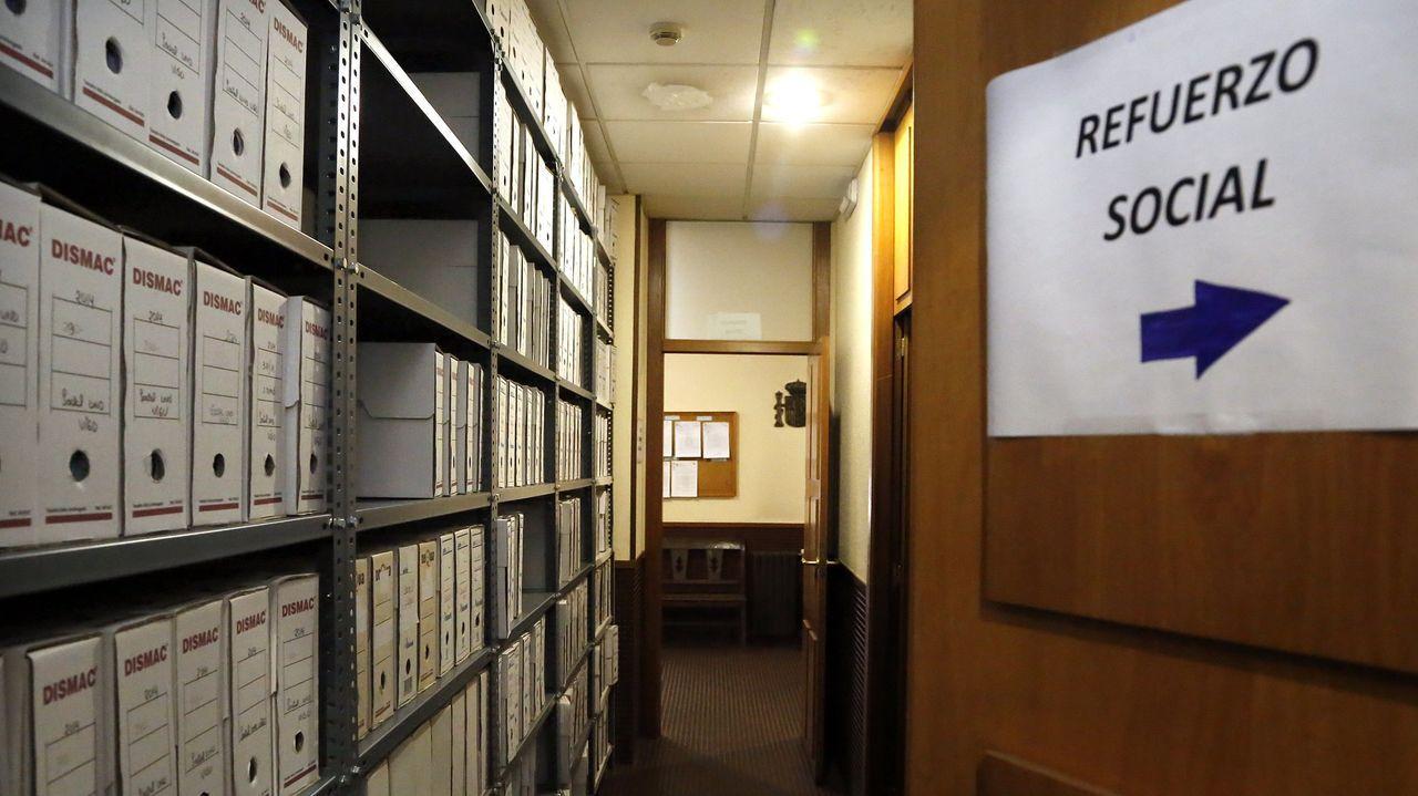 Imagen de archivo del pasillo de entrada al juzgado de refuerzo de lo social de Vigo