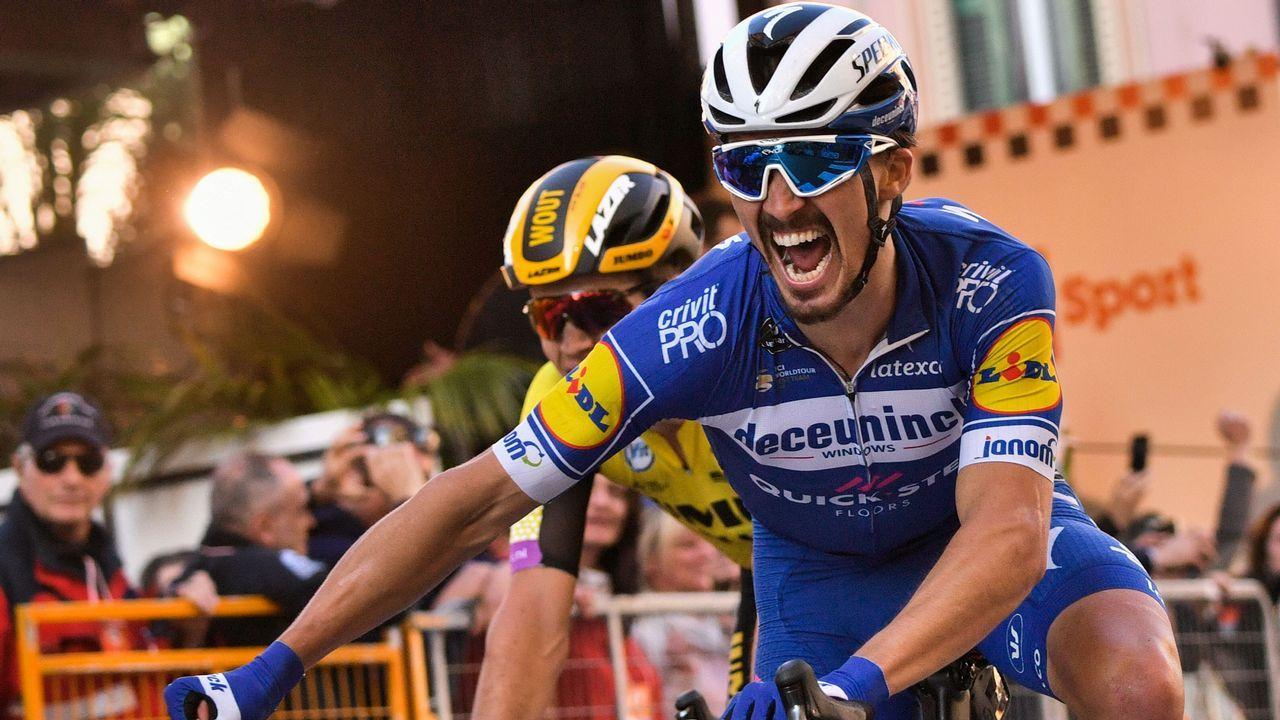 El ciclista español Mikel Landa, del equipo Movistar, compite durante la decimonovena etapa del Tour de Francia