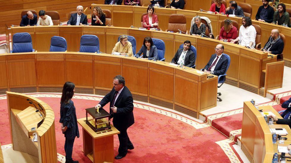 Votación en la sesión constitutiva