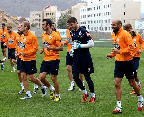 Los futbolistas del Dépor se entrenaron ayer por la mañana en Tenerife.