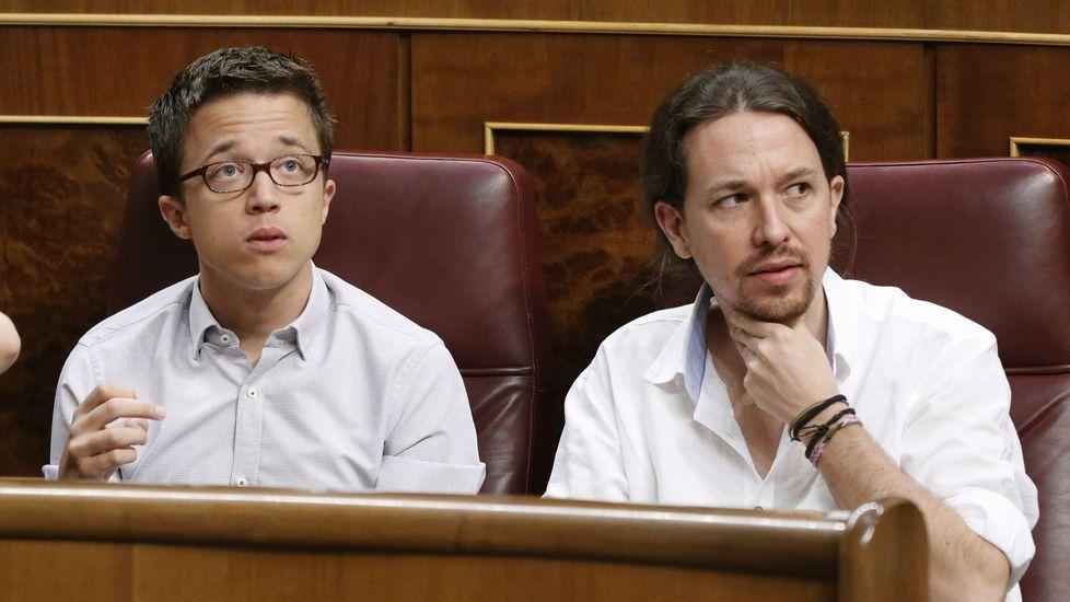 Errejón pide no distraer el debate en Podemos con el enfrentamiento de caras.Errejón, en una imagen de archivo rodeado de Espinar, Montero, Iglesias, Garzón y Rafa Mayoral.