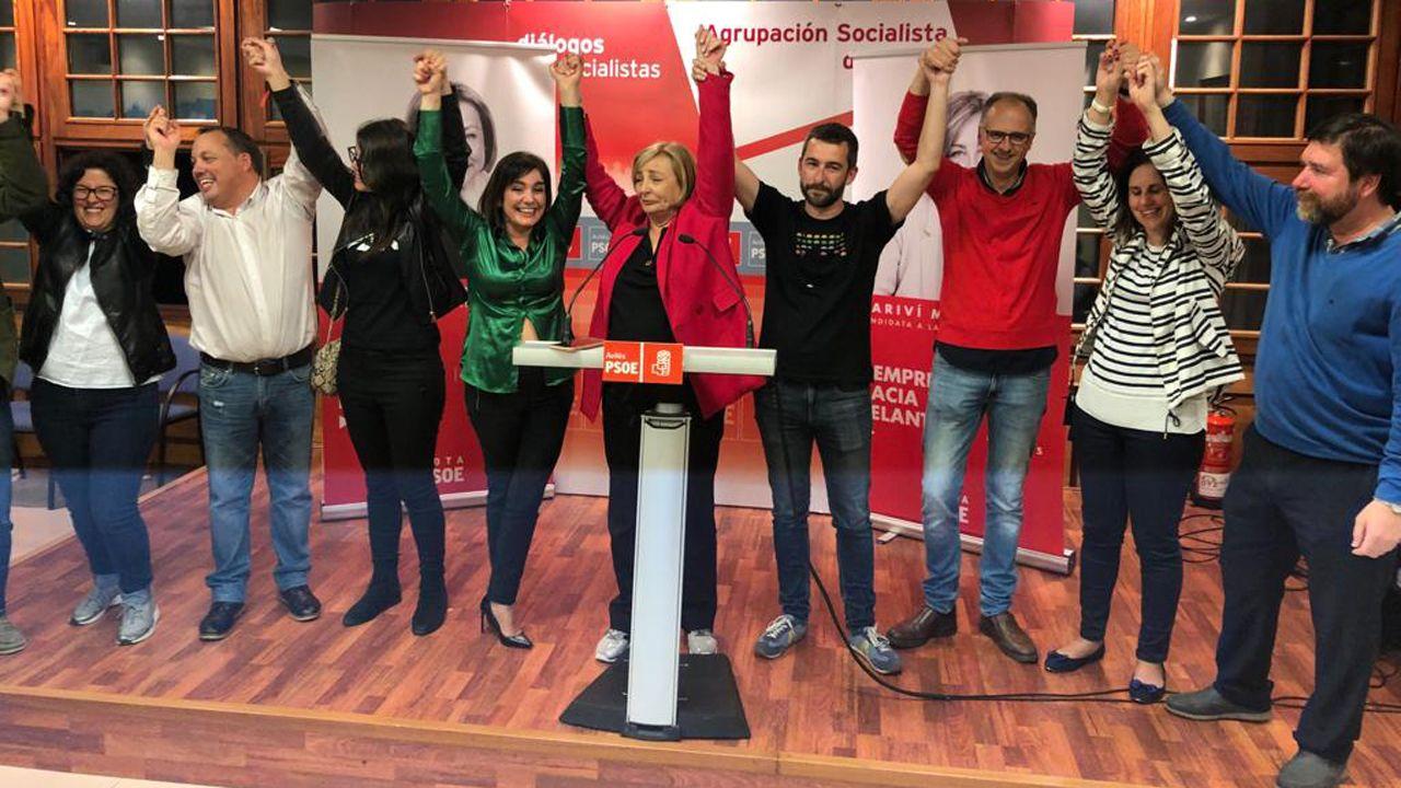 Mariví Monteserín celebrando la victoria en los comicios municipales